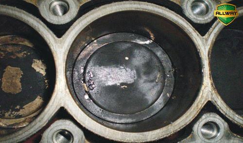 选用燃油积碳清洗剂 能否清除发动机积碳?